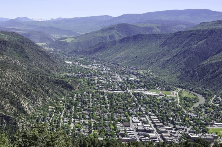 a view of Glenwood Springs Valley